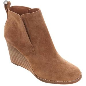Lucky Brand Yameena suede nude wedge booties 7.5